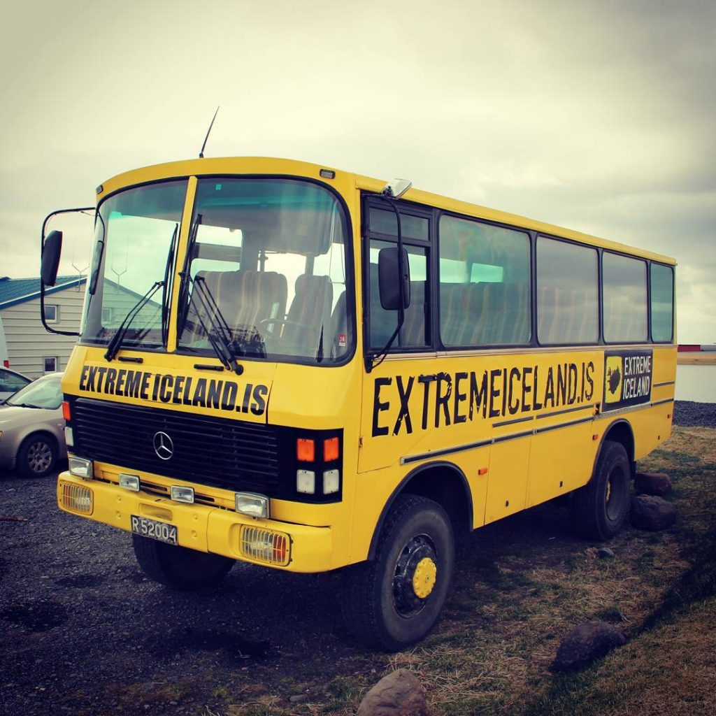 yellow-bus-reykjavik-excursion